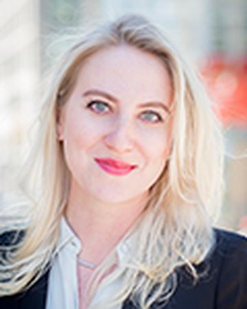 Bond New York real estate agent Viktoriya Uzinsky