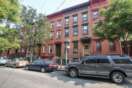 Apt Sales in Williamsburg -Bedford avve & 9th st