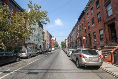 Apts in Williamsburg -Berry st & 8tth st