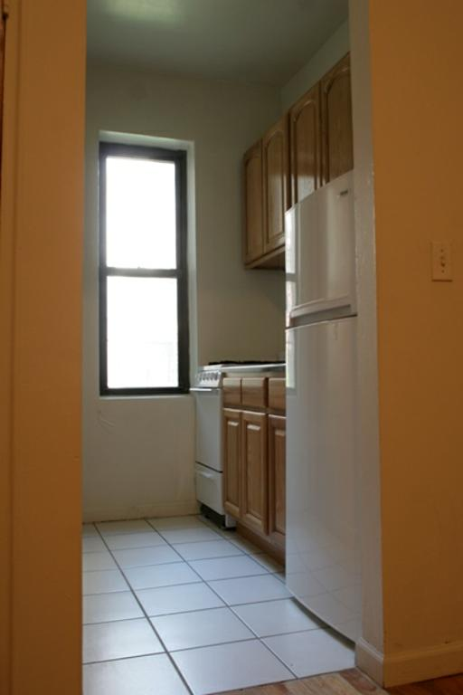 Upper East Side (#184460) - Photo 3