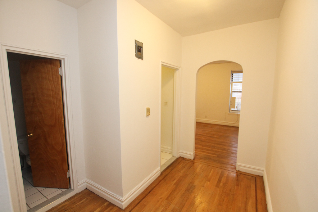 Upper East Side (#440471) - Photo 3