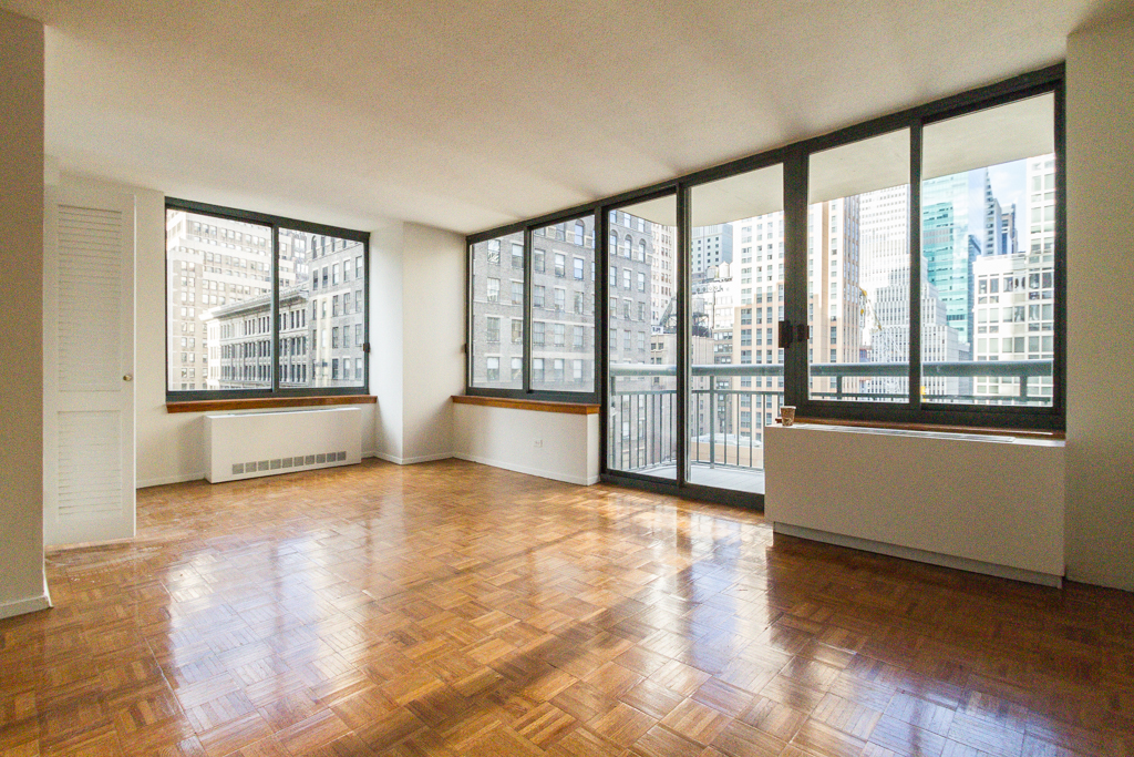 2 Bedroom West 30s - Clinton Apartment for rent