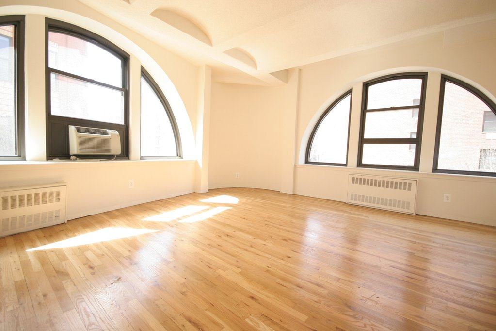 LARGE 1BR LOFT WITH STUNNING VIEWS Photo 0 - BOND-501204