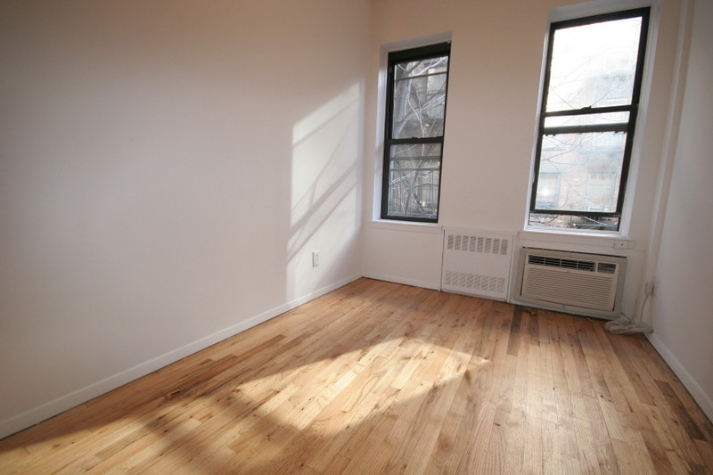 Upper East Side (#655080) - Photo 3