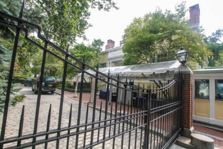 Yorkville Rentals - Gracie mansion