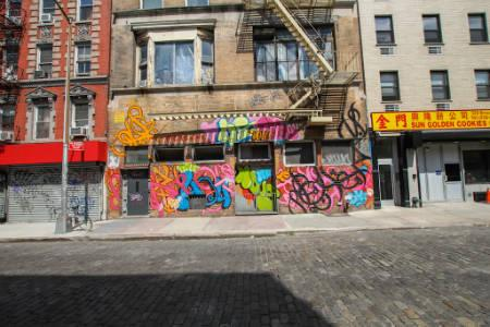 Apts in Lower East Side - Broome street
