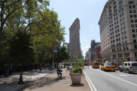Flatiron Sales - Madison Square Park